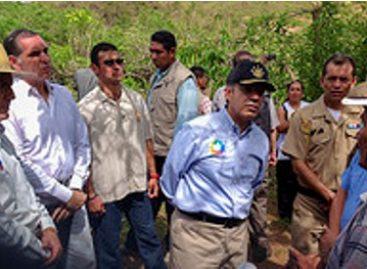 "Comprometen gobiernos federal y de Oaxaca apoyo total a población damnificada por huracán ""Carlotta"""