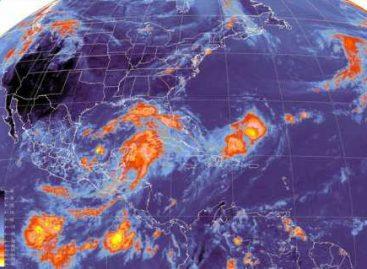 Continúan las lluvias de fuertes a intensas sobre la Península de Yucatán y Oriente del país