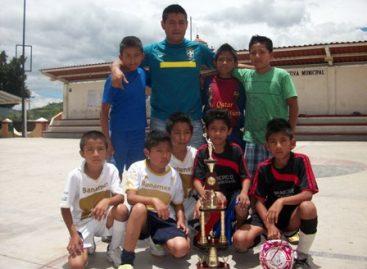"""Logra """"Pumitas"""" campeonato de baby fut infantil en San Antonio de la Cal"""