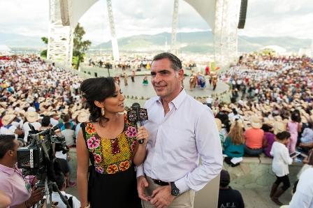 30 julio 2012 Gabino Gobernador -  Guelaguetza