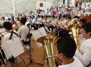 """Deleita Orquesta Infantil y Juvenil """"Benito Juárez"""" al público en """"El Pañuelito"""""""