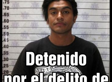Aprehende policía de Oaxaca a manifestante contra imposición de Peña Nieto, a 20 más y a dos turistas
