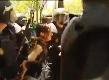 Policía de España arremete contra mineros y sus familias; lesionados 46 mineros y 30 policías