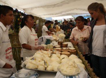 Inicia segunda Expo Feria de Queso y Quesillo en Reyes Etla, Oaxaca