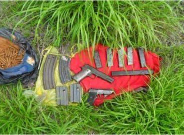 Incineran droga en Aguaje de la Tuna, BC; decomisan droga y armas en Piedras Negras