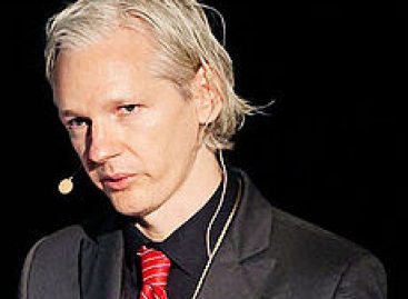 Madre de Assange teme pena de muerte o torturas si su hijo es extraditado a EU