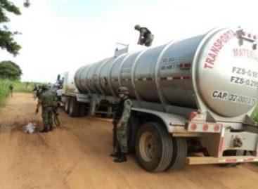 Localizan toma clandestina de combustible y aseguran tractor cisterna en Veracruz