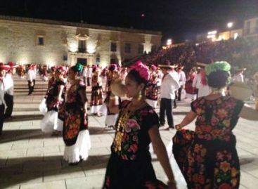 Cautiva fiestas tradicionales del Istmo a visitantes, en Oaxaca