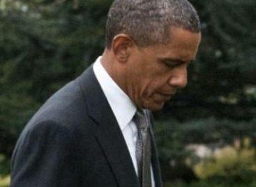 Obama decreta seis días de duelo por matanza en Colorado