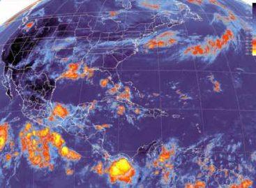 La onda tropical no. 4, ocasionará lluvias en el sureste, sur y oriente del país
