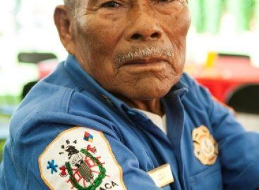 Para ser bombero se necesita valor, inteligencia y voluntad: Don Felipe
