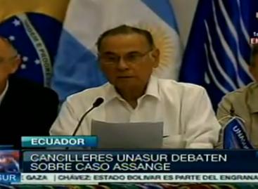 Unasur respalda a Ecuador ante amenaza de Inglaterra de arrestar Assange, refugiado en sede diplomática ecuatoriana