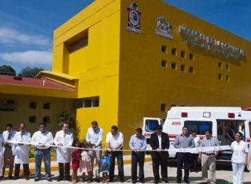 Inaugura Gabino Cué Hospital Comunitario en Teotitlán de Flores Magón; tuvo un costo de 50 mdp