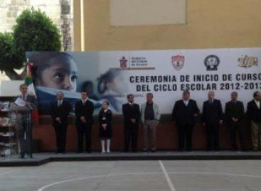 """Inaugura Gabino Cué ciclo escolar 2012-2013 en la primaria """"Abraham Castellanos"""""""