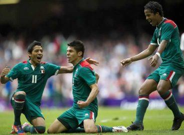 México Vence a Suiza, con gol de Peralta