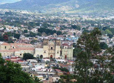 En desventaja el comercio nativo en el Centro Histórico de Oaxaca / Miguel Ángel Schultz Dávila