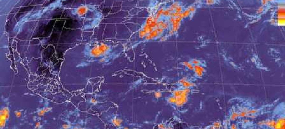 La onda tropical N.8 se desplaza hacia el oeste sobre Oaxaca y Chiapas se esperan lluvias intensas