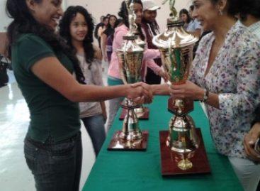 Clausuran torneo de Bachilleratos Integrales Comunitarios, en Oaxaca