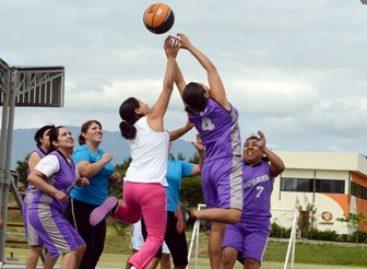 Diputados de Oaxaca se enfrentan a tres equipos, en gran torneo deportivo