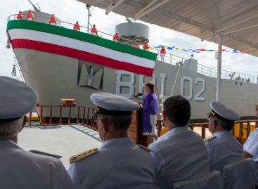 Bota Marina segundo buque más grande construido en sus astilleros, en Salina Cruz, Oaxaca
