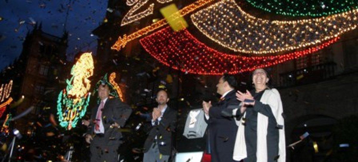 Celebra las fiestas de septiembre y disfruta el alumbrado patrio en el Centro Histórico del DF