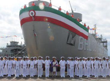 """Bota Marina Armada de México buque """"Libertador"""", en el puerto de Salina Cruz"""