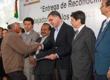 Renueva Gobierno de Oaxaca y base trabajadora alianza en el marco del Día del Empleado