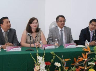 Capacitan a funcionarios para el proceso electoral 2013 en Oaxaca