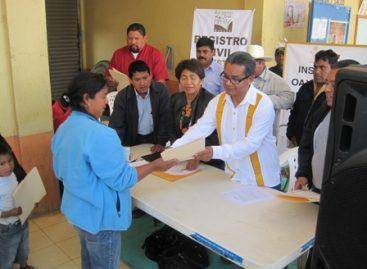 Obtienen menores nacidos en Estados Unidos Actas de Extranjería, en San Martín Perez, Oaxaca
