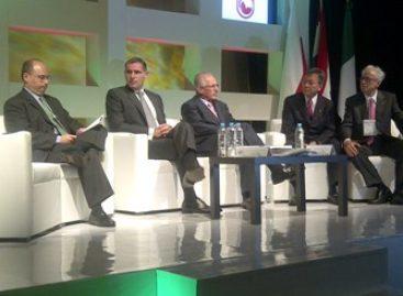 Plantea Gabino Cué ante empresarios y académicos retos y desafíos de Oaxaca