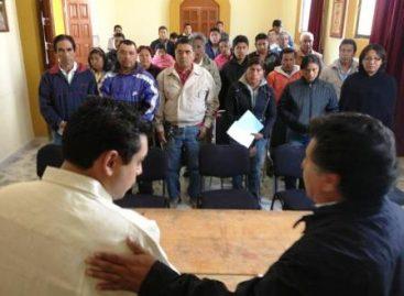 Autoridades mixtecas demandan apoyo al diputado Pavel López