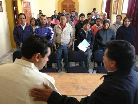 Autoridades mixtecas demandan apoyo al diputado Pavel López Gómez