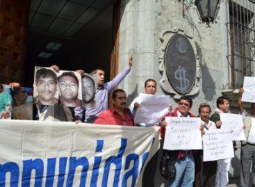 Exigen periodistas de Oaxaca justicia en el caso de atentado contra Said Hernández, de la revista Tucán