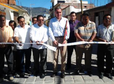 Entregan obras y recursos en cinco municipios de Valles Centrales de Oaxaca