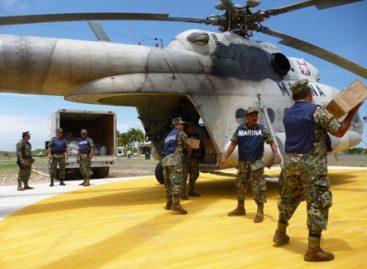 Preside Felipe Calderón entrega de condecoraciones al Ejército, Fuerza Aérea y Armada de México