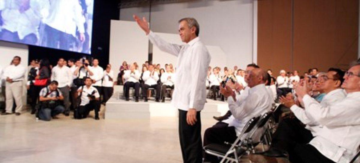 Debe trabajo de los gobiernos ser muy cercano a la gente: Mancera Espinosa