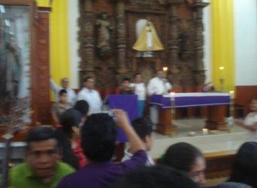 Impone párroco de San Felipe Usila ideologías, no respeta tradiciones y amenaza a feligreses