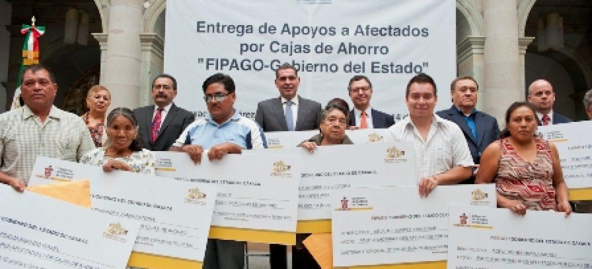 Destinan 345.2 mdp en 2012 para apoyar a ex braceros y defraudados de cajas de ahorro en Oaxaca