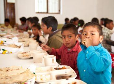 Brindan Cocinas Comunitarias atención alimentaria a 218 mil niños y mujeres en situación de vulnerabilidad