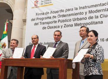 Acuerdan Gobierno de Oaxaca y concesionarios Modernización del Transporte Público