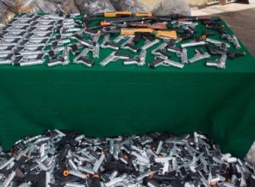 Destrucción de juguetes bélicos, acción que previene el delito: Mancera Espinosa