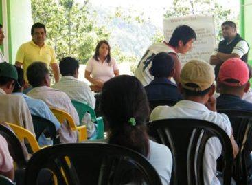 Ofrecen impulsar programa alimentario en Llano Paraje Loxicha, Oaxaca