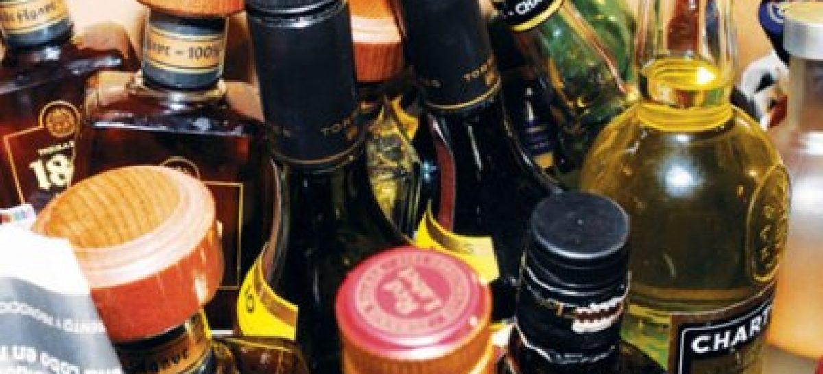 Alerta la Secretaría de Salud del DF por la ingesta de alcohol adulterado