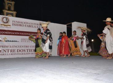 """Signan intercambio cultural Tabasco-Oaxaca de la Fundación """"Isidro Fabela Alfaro"""""""