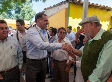 Inauguran pavimentación de calles, obras de electrificación y agua potable en la Mixteca de Oaxaca