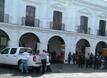 Para policía de Juchitán, el presidente municipal Daniel Gurrión Juchitán llama al diálogo a paristas