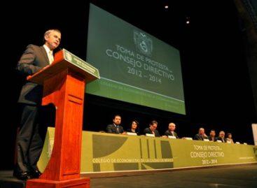 Consolidarán al DF como referente económico y financiero a nivel nacional e internacional: Mancera