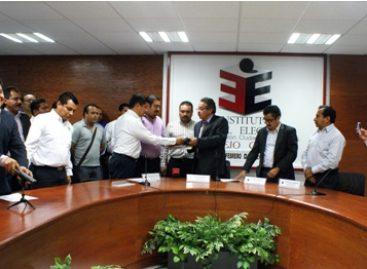 Presentan PRI y PVEM solicitud de registro del convenio de coalición, por comicios en Oaxaca