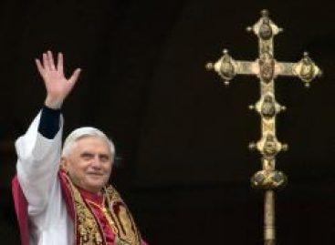 El Vaticano aclara que ninguna enfermedad obligó a Benedicto XVI a renunciar