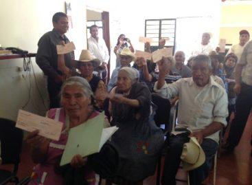 Rebasará la meta entrega de cheques a ex trabajadores migratorios en Oaxaca